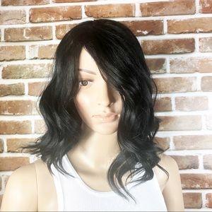 Women's Wavy Black Mid length Wig